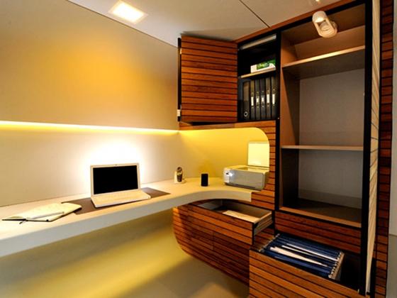 OfficePOD interno attrezzato via officepod.co.uk