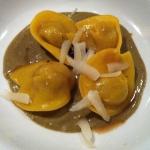 QB - Cappelletti di anatra, salsa di pistacchi e grue e di cacao © Alessandra Colucci