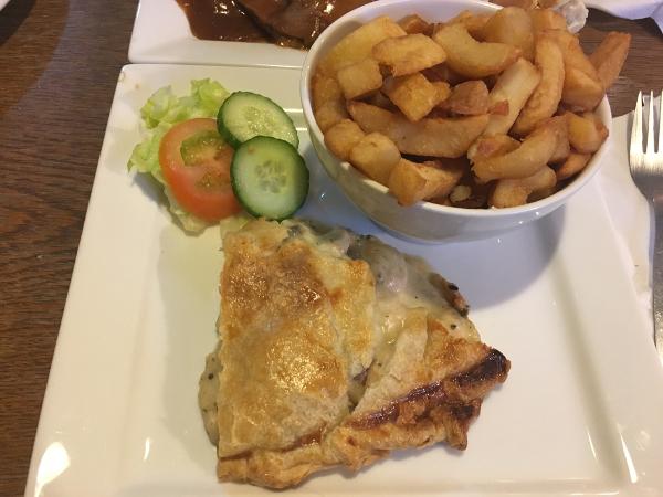Belfast - Maggie Mays - mushrooms pie