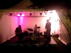 The Oxford Wine Festival - jazz music