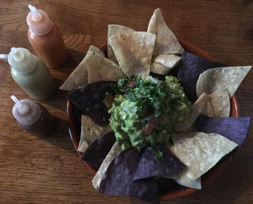 Belfast - La Taqueria - nachos con guacamole
