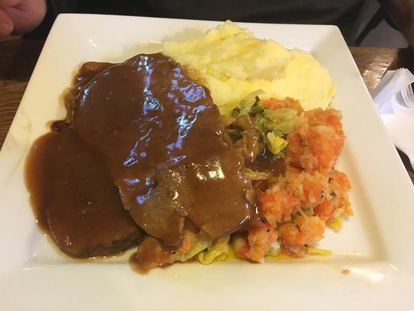 Belfast - Maggie Mays - roastbeef