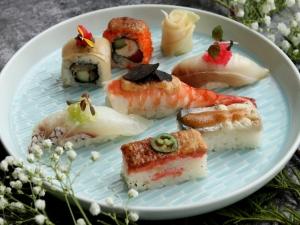 sushi & flowers